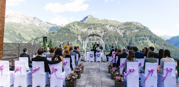 Destination-Wedding - Preisniveau Hochzeitsfeier: €€ - Tiroler Oberland - Hotel Goldener Berg & Alter Goldener Berg
