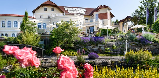 Destination-Wedding - Umgebung: am Fluss - Hotel BERGERGUT Loveness & Genussatelier